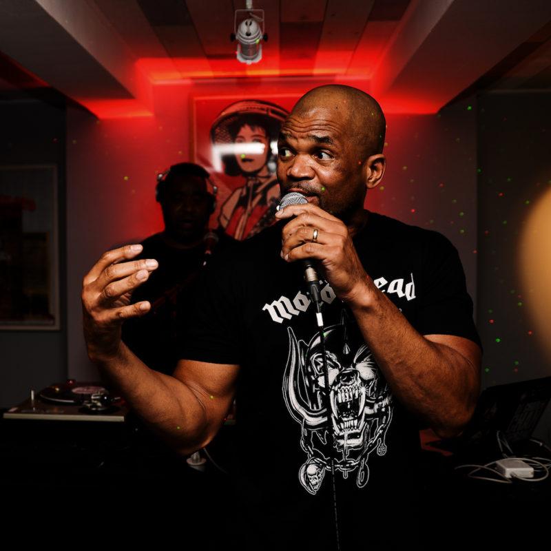 Darryl McDaniels Performs Live DMC Set in Hang-Up's Gallery Bunker